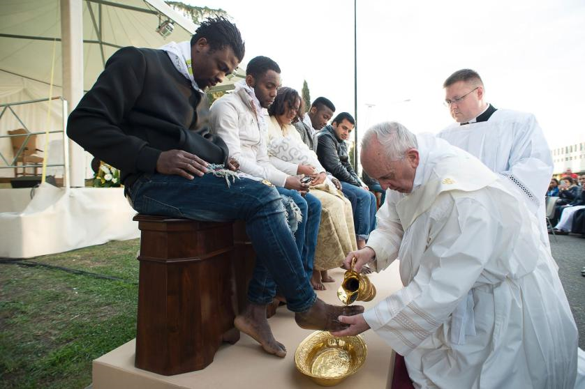 Pope washing feet